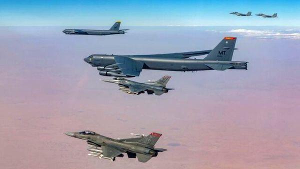 تمرین مشترک جنگندههای عربستانی با بمبافکنهای آمریکایی
