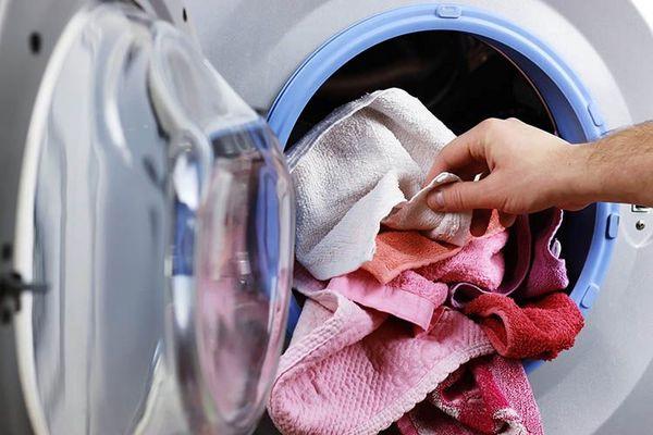 ۱۰ نکته که در شستن لباس باید رعایت کنیم