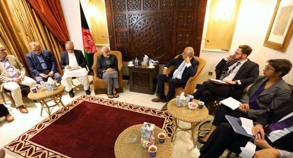 هیئت مذاکرهکننده افغانستان با خلیلزاد دیدار کرد