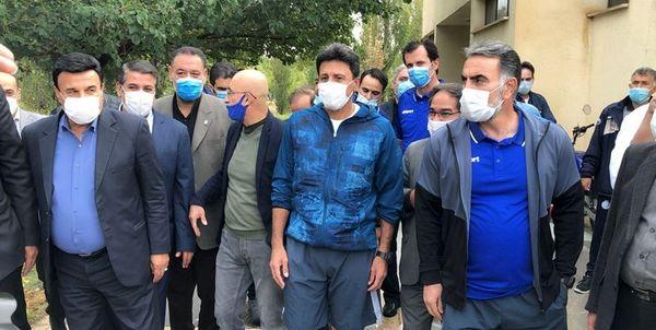 محمود فکری پس از حضور در استقلال مدعی شد: چوب خشک هم در تیم ما بازی کند، توانمند است