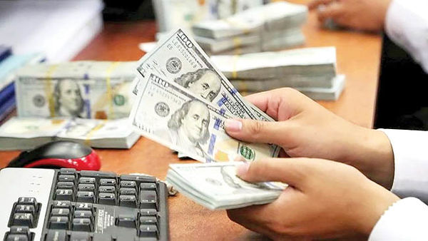 دلار بر قله 9 ماهه