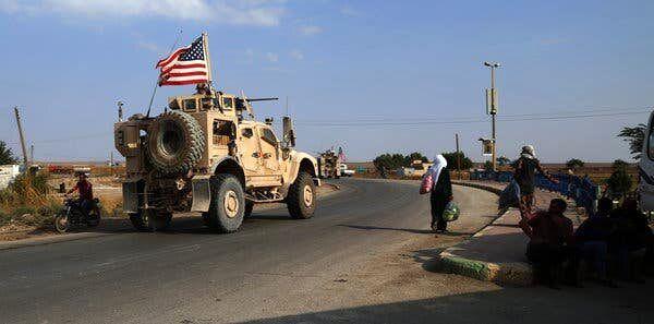کاروان نیروهای آمریکایی در عراق مورد حمله قرار گرفت
