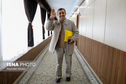 احمدینژاد به خاطر مصاحبه با شبکه بیگانه اخراج میشود؟