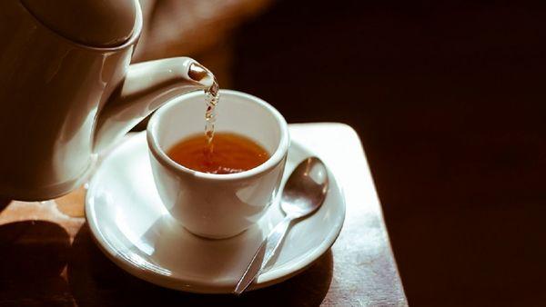 هشدار؛ خطر نوشیدن چای داغ را جدی بگیرید