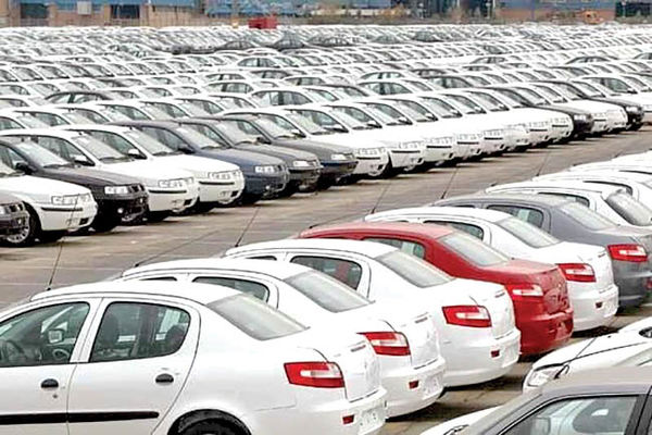 بازار خودرو در اوج ماند