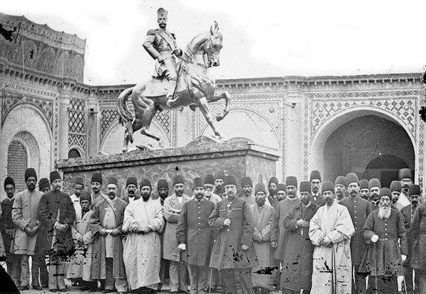 مجسمه سلطان صاحبقران