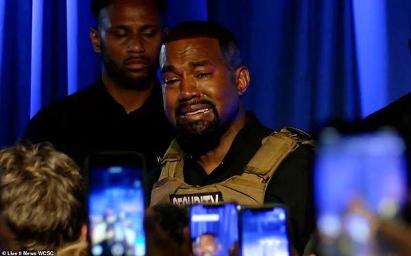 کانیه وست رسما از صحنه انتخابات آمریکا کنار کشید