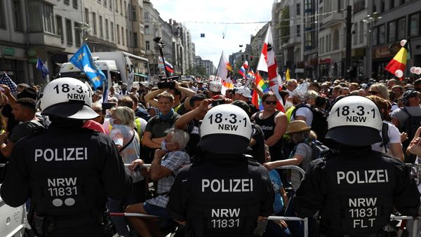 ادامه اعتراضات علیه محدودیتهای کرونایی در آلمان