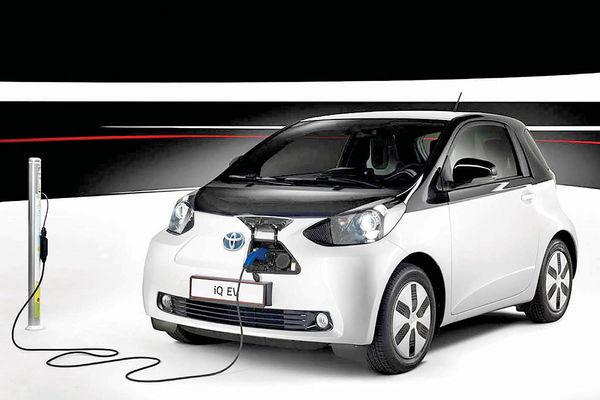 سرمایهگذاری کلان تویوتا  برای خودروهای برقی