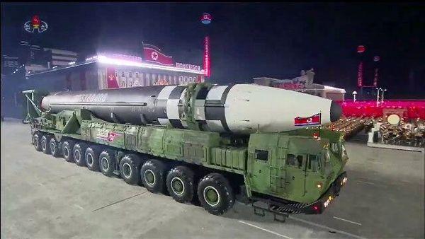 جلسه اضطراری کره جنوبی پس از رژه موشکی کره شمالی