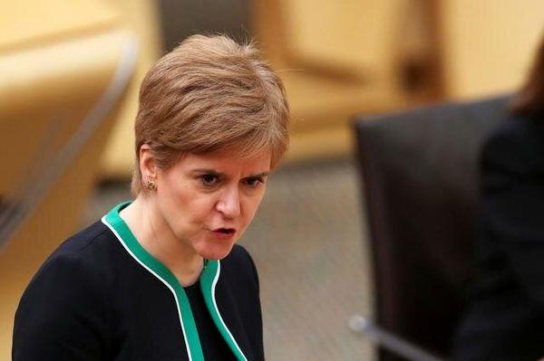 مخالفت استورجن با سفر جانسون به اسکاتلند