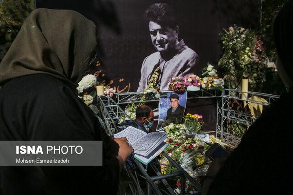 دریافت پول برای بازدید از مزار محمدرضا شجریان