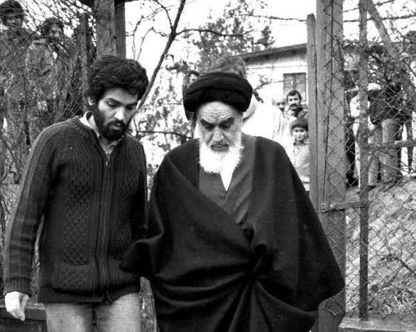 چرا امام خمینی(ره) در فرانسه نماز خود را کامل نخواندند؟