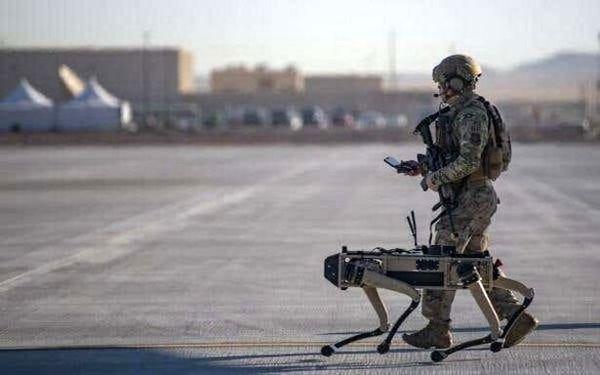استفاده دوباره از سگ رباتیک در نیروی هوایی آمریکا+عکس
