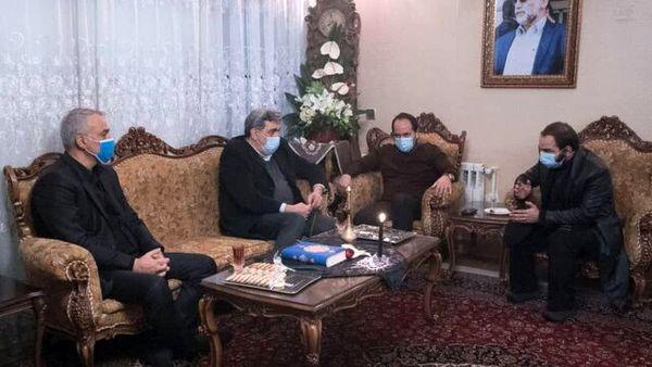 دیدار شهردار تهران با خانواده شهید محسن فخری زاده