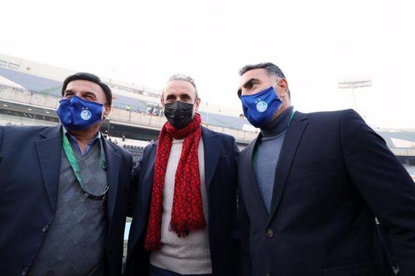 متلک گلمحمدی به نیمکت استقلال