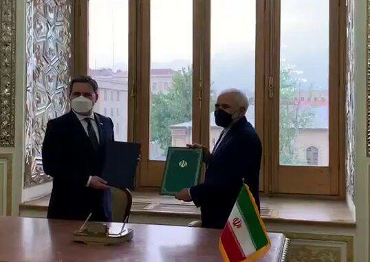 امضای سند همکاریهای میان وزارتخانههای امور خارجه ایران و صربستان