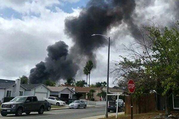 تصادف هواپیما با کامیون در کالیفرنیا