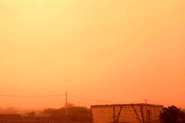 آسمان کرمان قرمز شد!