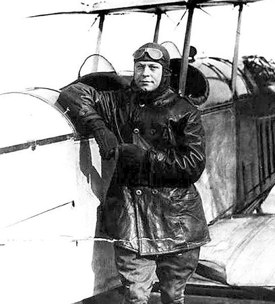 جیمز اچ. کیندلبرگر از پیشگامان هوانوردی در آمریکا