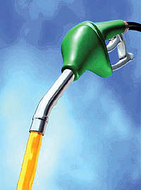 دولت به 5/4میلیارد دلار برای واردات بنزین و گازوئیل نیاز دارد