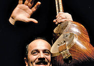 تکنوازی تارکیوان ساکت  در ارکستر موسیقی ملی