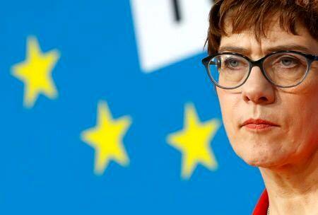 وزیر دفاع آلمان: وضعیت پس از انتخابات در آمریکا انفجاری است