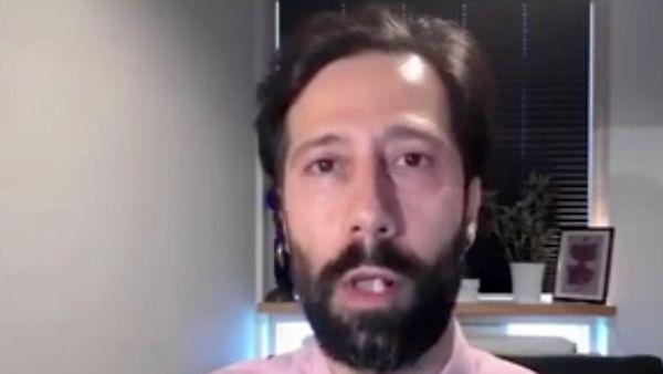 لحظه افتادن دندان کارشناس شبکه ایران اینترنشنال در پخش زنده! + فیلم