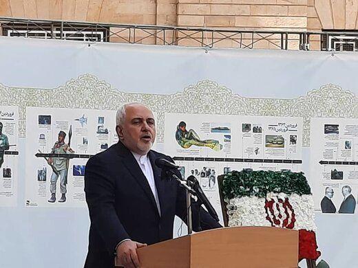 ظریف:حق مردم نیست به خاطر دعوای جناحی و سیاسی منافع این مردم را در نظر نگیریم/من شرمندهام