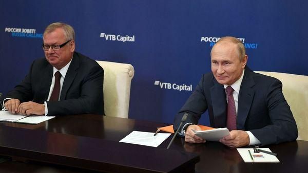 تاکید پوتین بر واکسیناسیون گسترده کرونا در روسیه