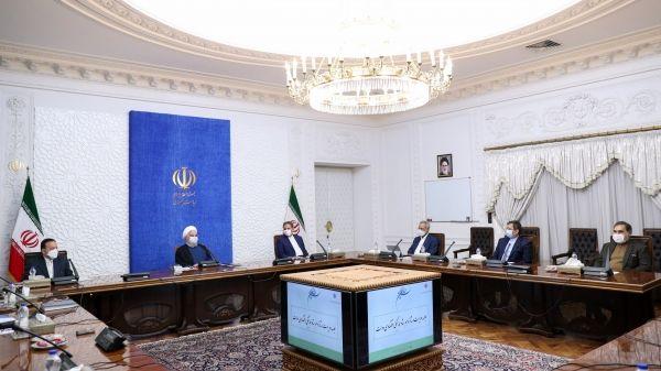 روحانی: فعالان سیاسی نباید اظهارنظر اقتصادی را با اظهارنظر سیاسی یکسان بپندارند