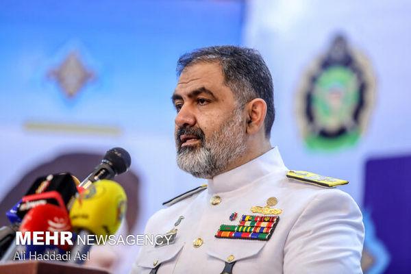 امیر ایرانی: نیروی دریایی ارتش برای دفاع از مرزهای آبی آماده و پادررکاب است