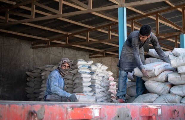 خبر مهم معاون وزیر صنعت درباره تولید سیمان