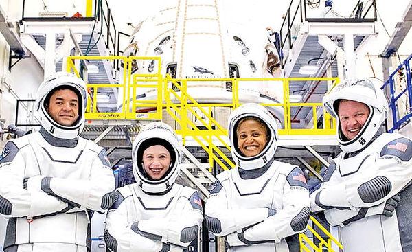 اولین ماموریت گردشگری فضایی  اسپیسایکس، ۲۴ شهریور انجام میشود