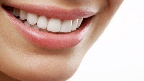 با این مواد غذایی دندانهای خود را جرم گیری کنید