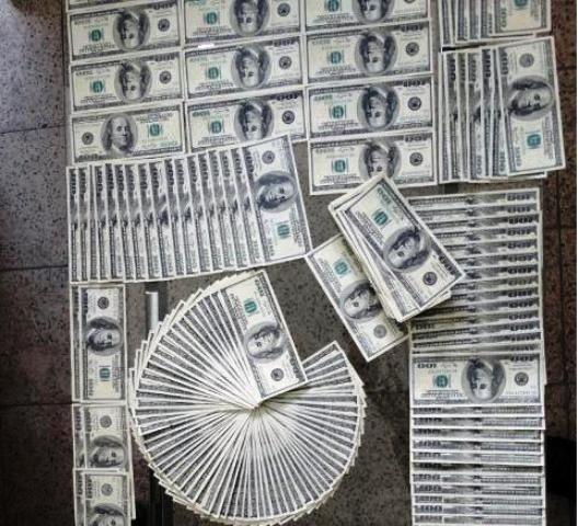 دستگیری ۳ فروشنده دلارهای تقلبی در تهران