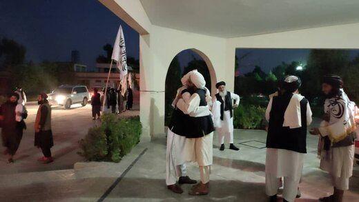 رئیس دفتر سیاسی طالبان با استقبال طرفدارانش وارد قندهار شد