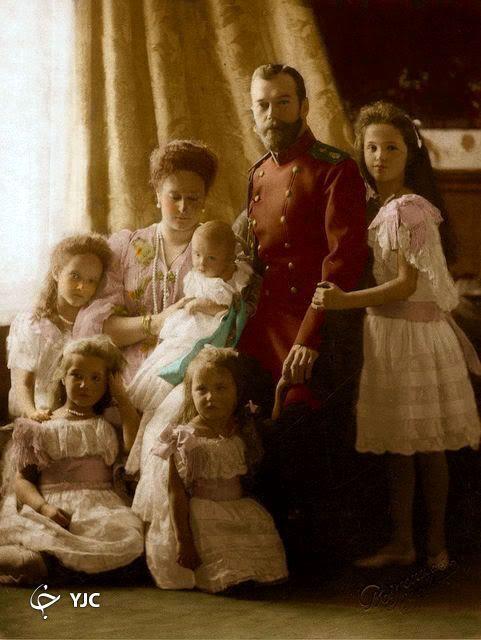 تصویری از آخرین تزار روسیه به همراه همسر و فرزندانش
