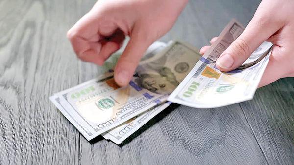 خروج خریداران از بازار ارز