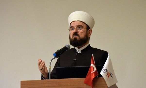دبیرکل اتحادیه علمای مسلمان خواستار عذرخواهی مکرون شد
