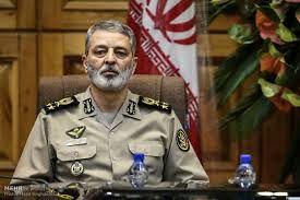 سرلشکر موسوی: ارتش برای دشمن شمشیر برنده است