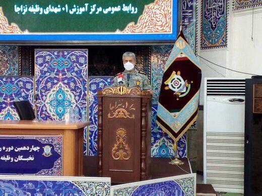 دریادار سیاری: دشمن از توانمندی دفاعی ایران ترس دارد
