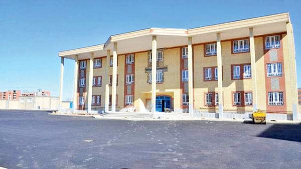 ساخت ۱۰۰ مدرسه در کشور برنامه گروه مالی گردشگری