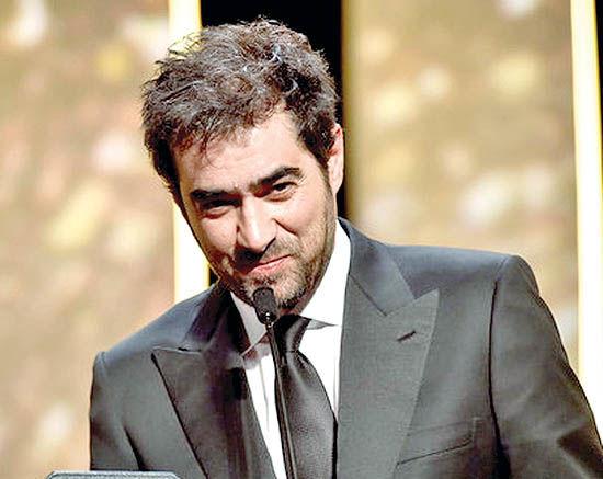 جایزه جشنواره پکن  در دستان شهاب حسینی
