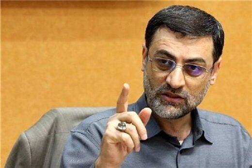 قاضیزاده هاشمی: کلاه در کوچهها میگردانم تا پول جمع کنم