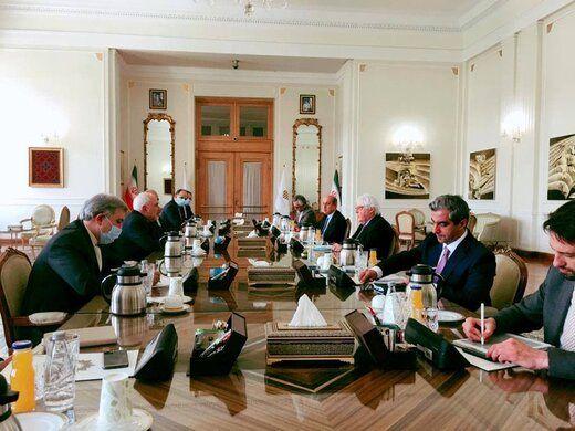 روز شلوغ ظریف در وزارت خارجه+عکس