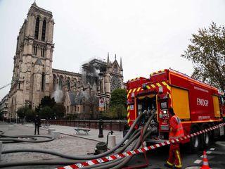 کلیسای نوتردام پس از آتشسوزی