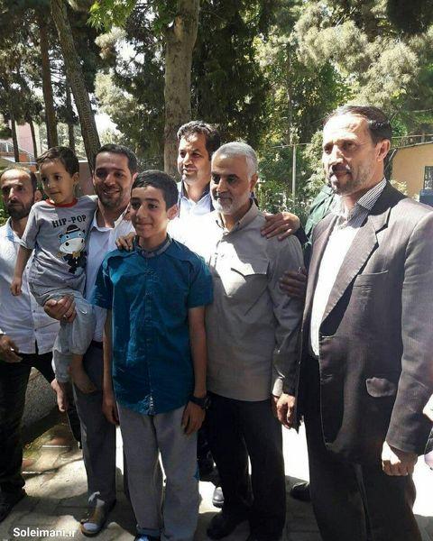آخرین حضور شهید حاج قاسم سلیمانی در انتخابات+عکس