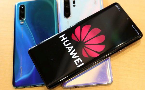 قیمت انواع گوشی موبایل در بازار امروز ۲۲ آبان