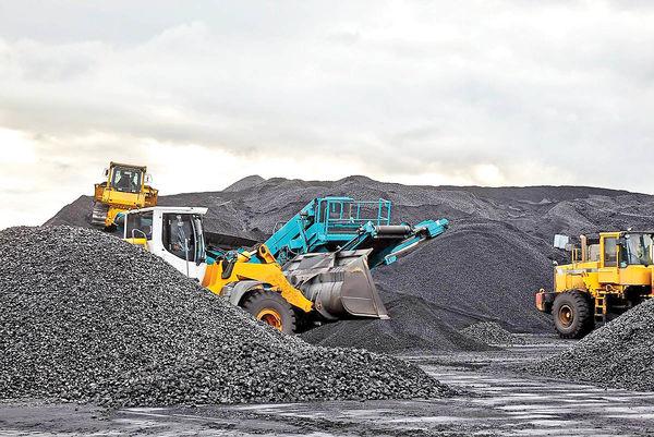 نگاه فولادسازان به سنگآهنیها